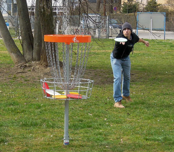 Disc Golf basket @ TU Graz